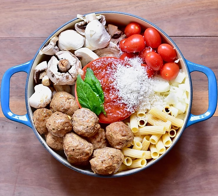 One pot pasta with meat balls
